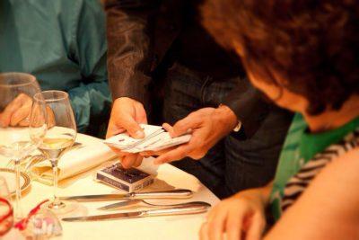 magicien-37-soiree-privee-arbre-noel-entreprise-particulier-illusionniste-galerie-1