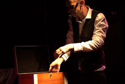 magicien-37-soiree-privee-arbre-noel-entreprise-particulier-illusionniste-galerie-3